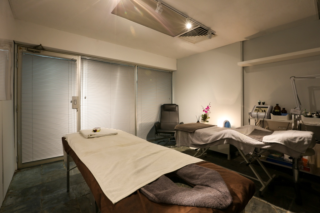 Mandate Grooming, men's facial, mens facial, male facial, guys facial, gentlemen's facial, gentlemens facial, male massage, mens massage, men's massage, mens spa, men's spa, male spa, gentlemen's spa, gentlemens spa